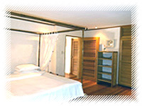 robinson house beach inner rooms with bed